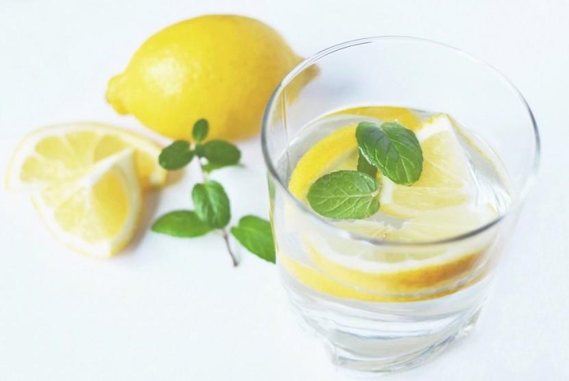 Bilas dengan Air Lemon