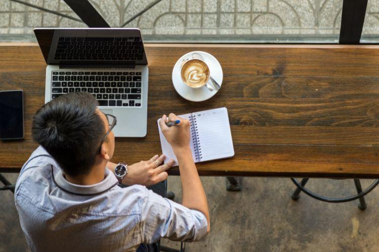 7+ Contoh Surat Lamaran Kerja Online (+Bentuk Doc)