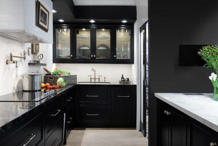 Desain dapur minimalis kabinet hitam