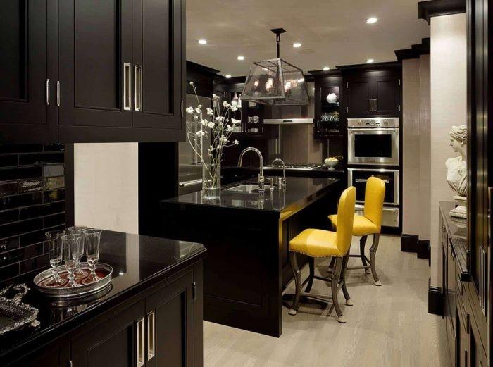 Desain dapur minimalis silver-black