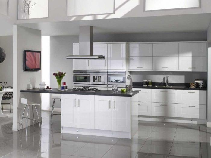 Gunakan Material Solid Untuk Mempermudah Perawatan Dapur