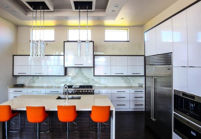 Tampilan Dapur Yang Rapi Dengan Kitchen Set