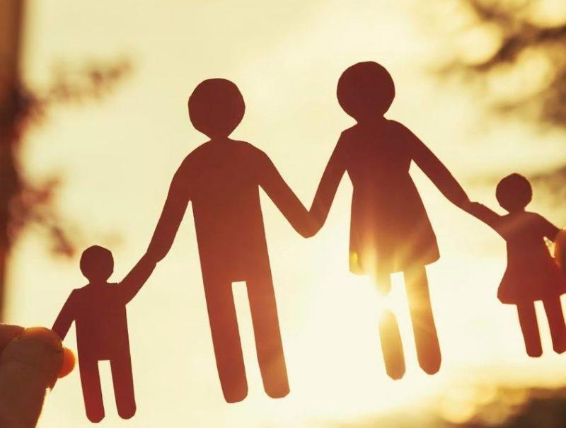 Contoh Teks Anekdot Keluarga