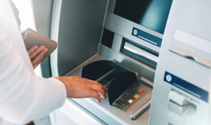 Contoh Teks Prosedur Sederhana Menggunakan ATM